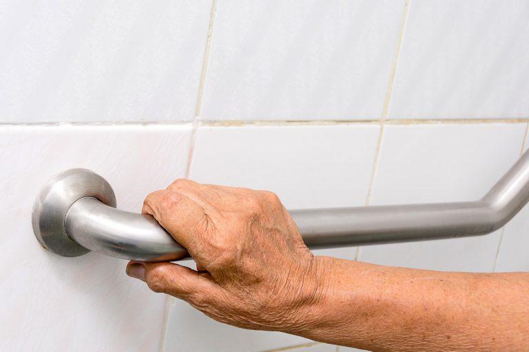 baignoire personnes âgées